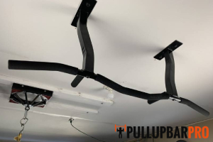 ceiling-mounted-pull-up-bar-types-pull-up-bar-pro-singapore