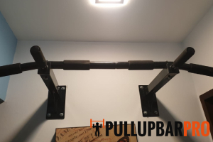 install-wall-mounted-pull-up-bar-pull-up-bar-installation-singapore-hdb-canberra